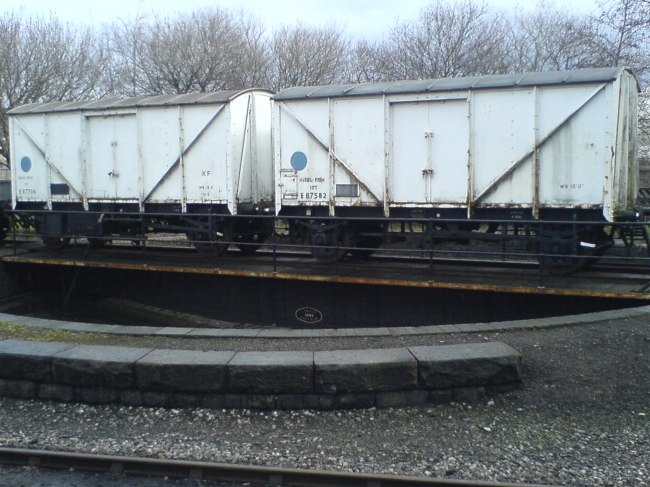 two fish vans on kwvr turntable
